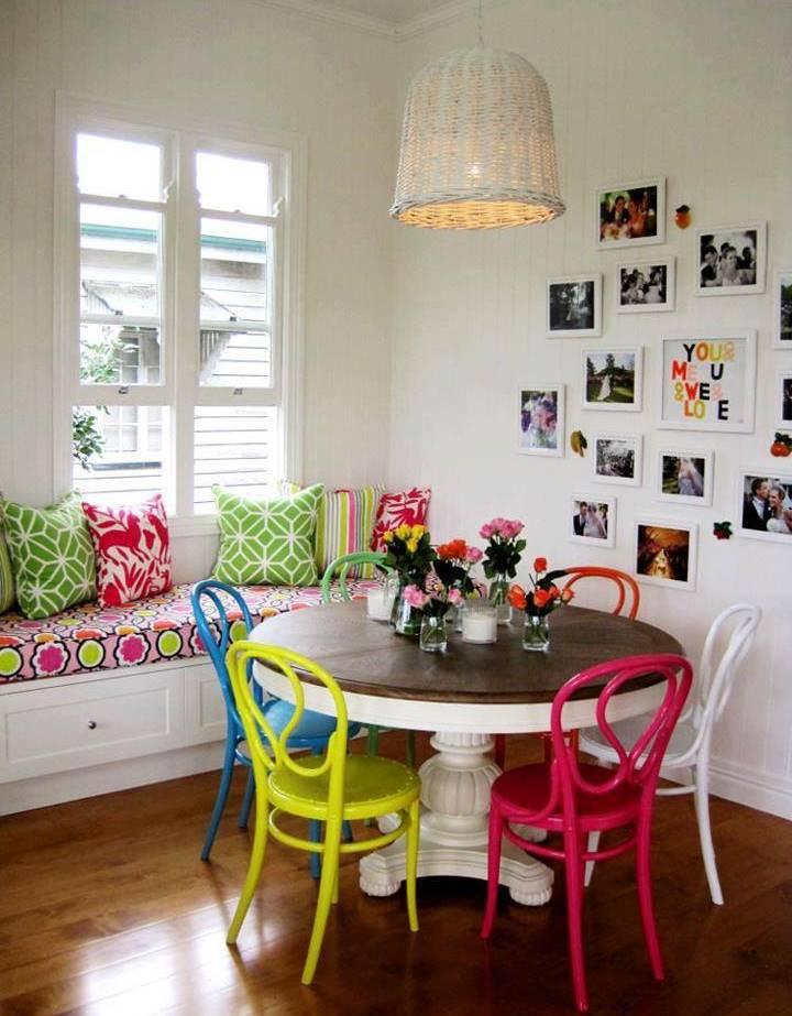 scaune colorate 4