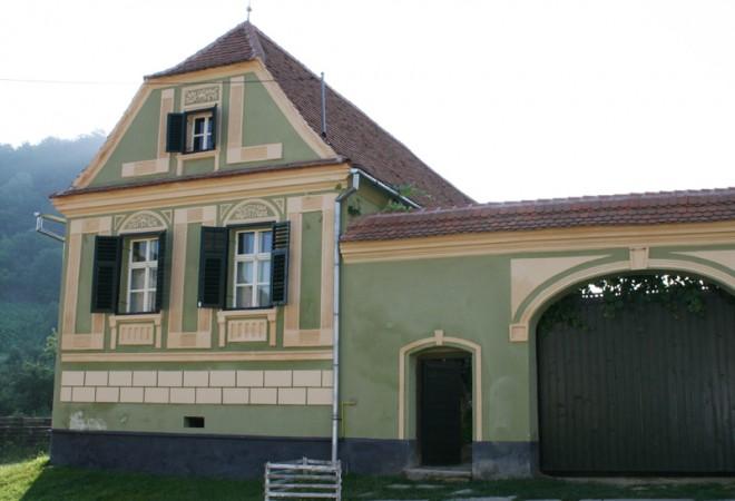 760800-copsamare-guesthouses-hotel-transylvania-romania