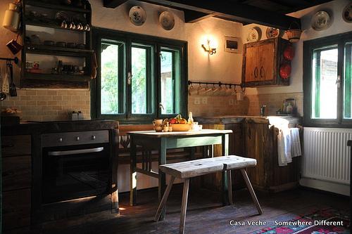 casa-veche-kitchen