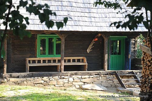 casa-veche-outside