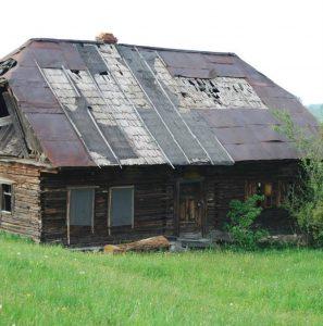 decorette-casa-veche-restaurata-inainte-si-dupa