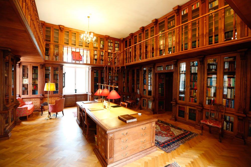 Propunere foto pagina titlului capitolului Biblioteca (A)